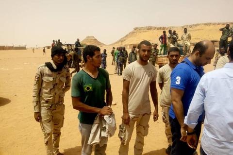 صورة للجنود المصريين المحررين من المخابرات السودانية في ليبيا